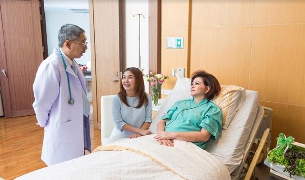 Chuyển tiền sang Trung Quốc chữa bệnh tăng nhanh