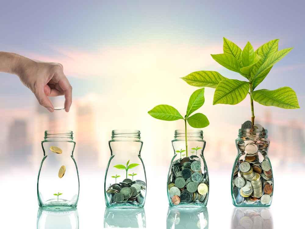 Khách hàng đăng nhập ngân hàng trực tuyến từ bất cứ nơi đâu để gửi tiết kiệm trực tuyến